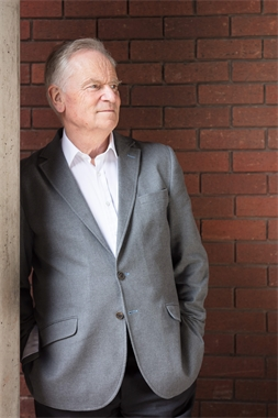 Jeffrey Archer Image for download