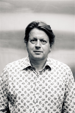 Peter F. Hamilton Image for download
