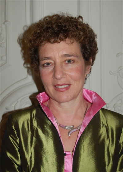 Suzanne Franks