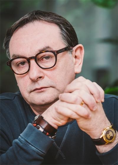 E.O. Chirovici