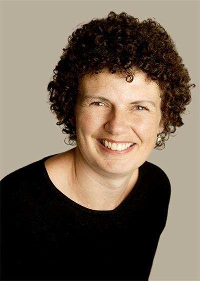 Clare Pettitt